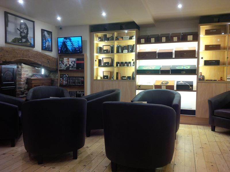 La Casa del Hanano cigar shop sampling lounge in Chester