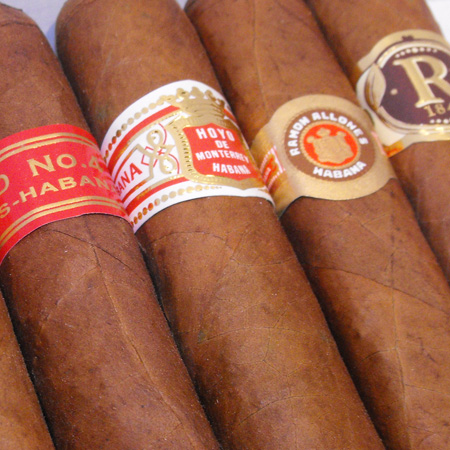 September Robusto Sampler � 7 Cigars