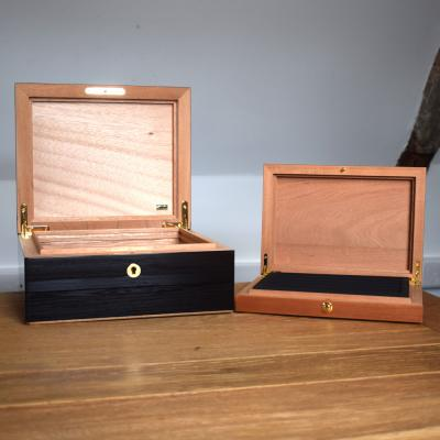 Humidors by Size