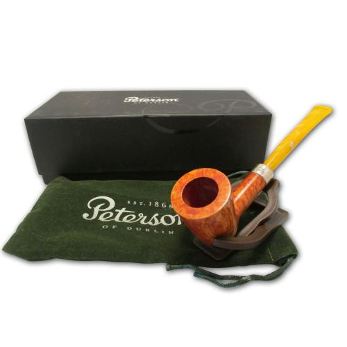Peterson Short Classic Pipe with Yellow Stem - D17 (Fishtail)