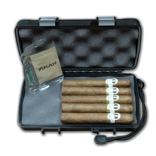 Oliva Orchant Seleccion Skinny and Xikar Travel Waterproof Case Sampler